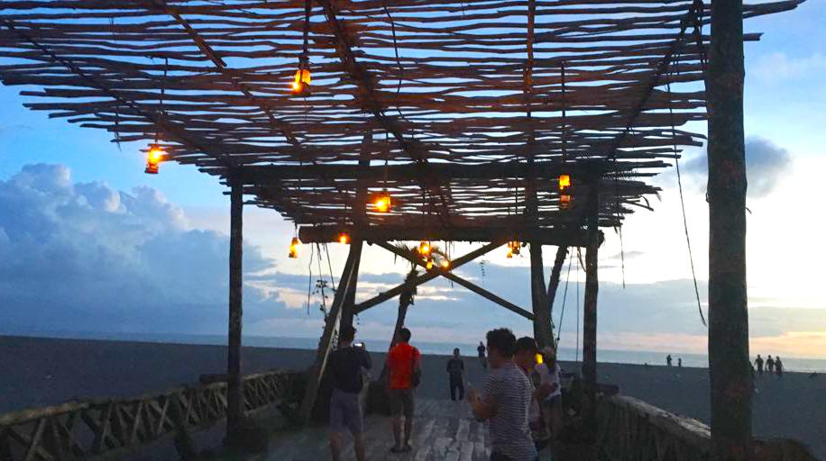 Wood bridge - la laguna